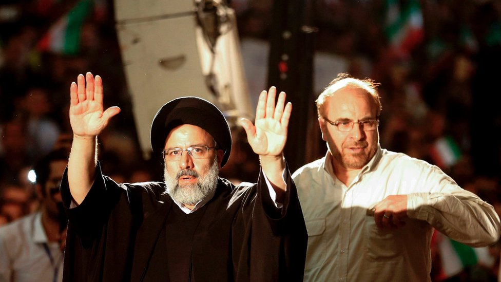 Ebrahim Raisi (L) and Mohammad Baqer Qalibaf (R) at a campaign rally on 16 May 2017