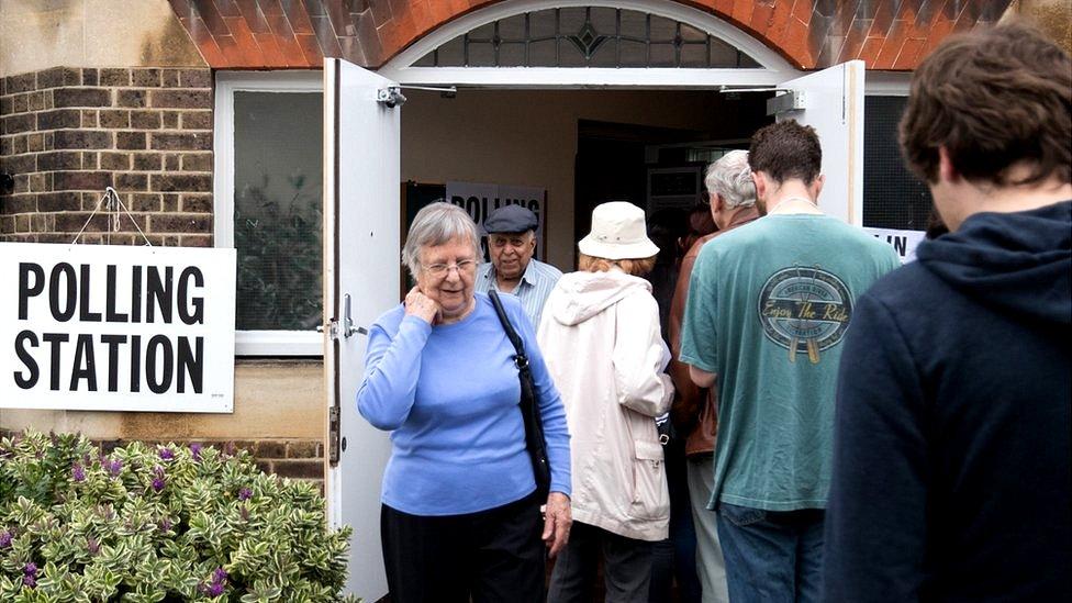 British voters at polling station, 23 Jun 16