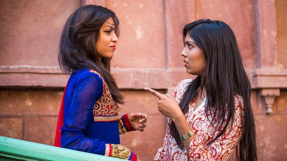 devojke se svađaju