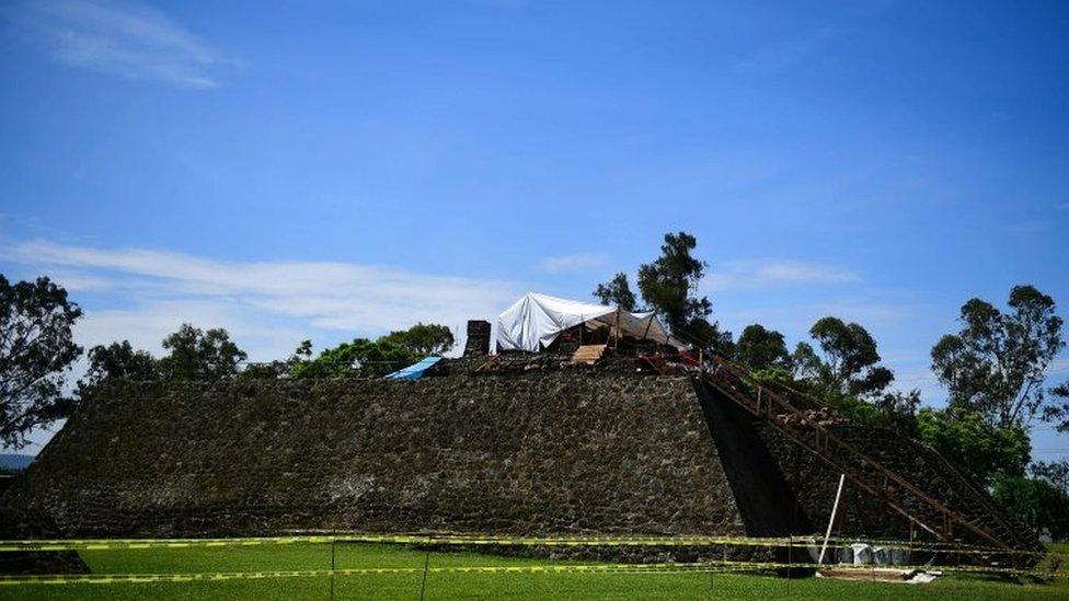 Teopanzolco se encuentra cerca de la ciudad de Cuernavaca, la capital de Morelos.