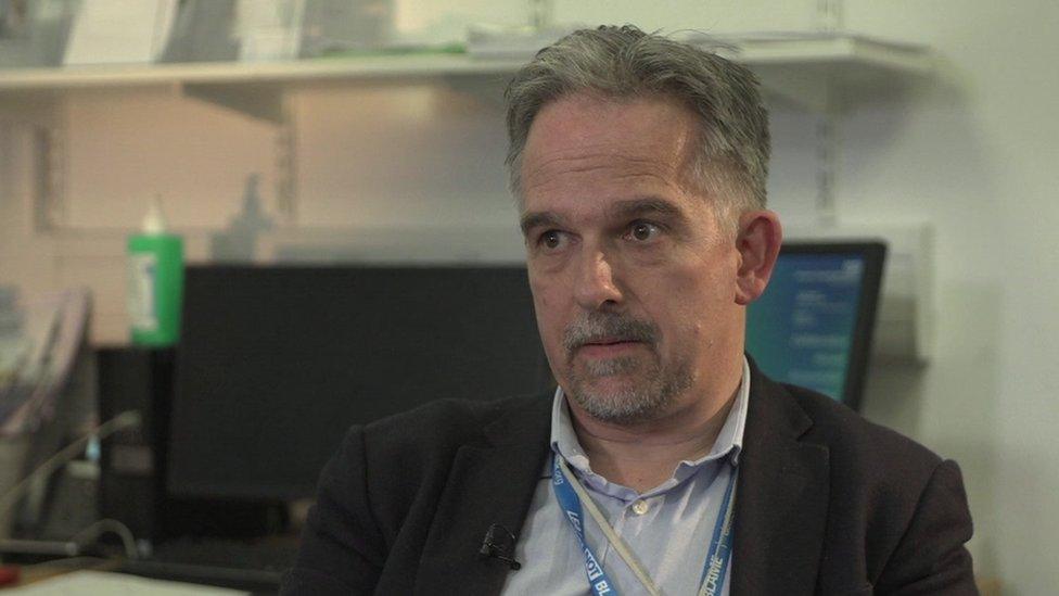 Dr David Nicholl
