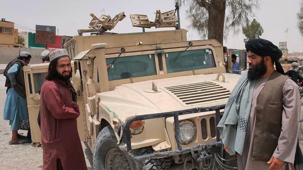 طالبان تستولي على سيارة تابعة للحكومة