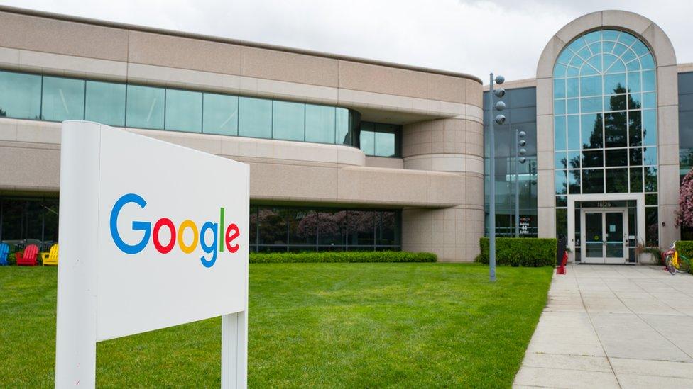 Kara başlangıçta Google'a şişeleri kendisi taşıyordu