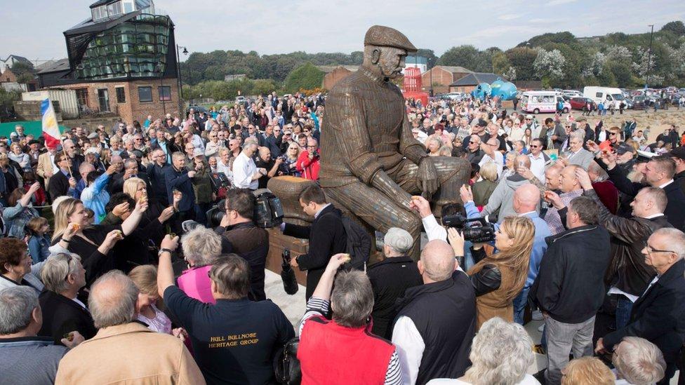 Fishermen memorial unveiled in North Shields