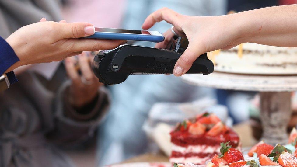 Pagando con el celular