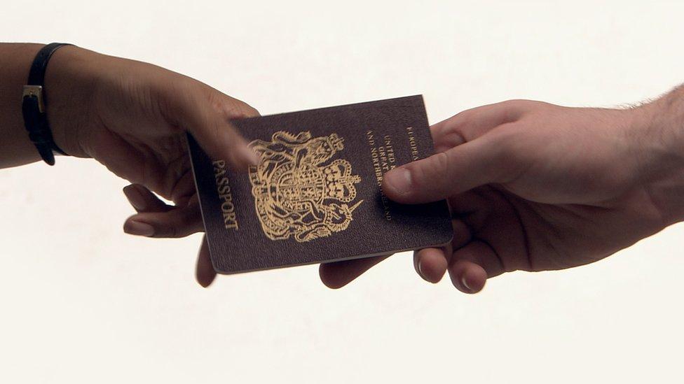 交接英國護照