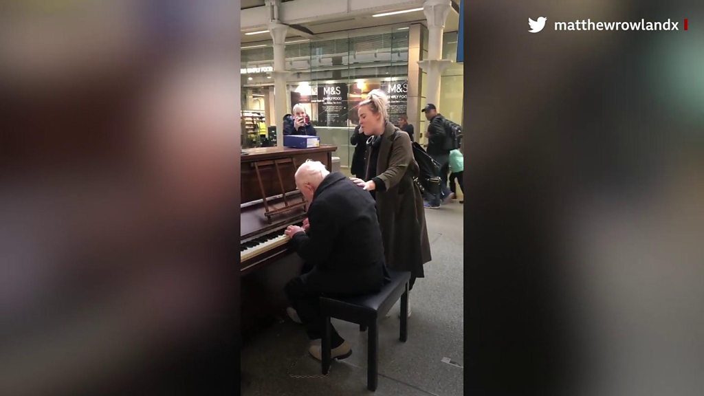 St. Pancras piano man's video with Cats star vocal goes viral