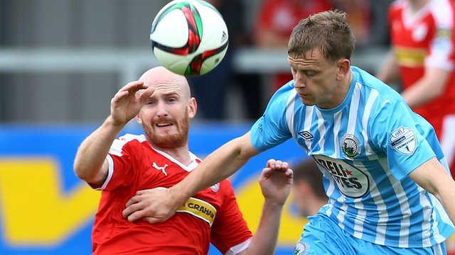 Action from Warrenpoint against Cliftonville