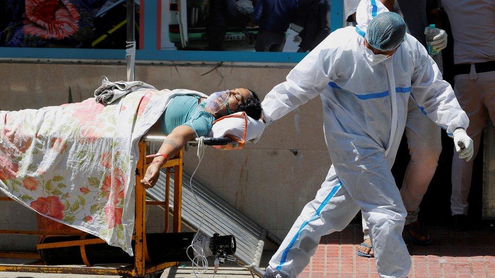 عدد الوفيات والإصابات في الهند ارتفع بشدة.
