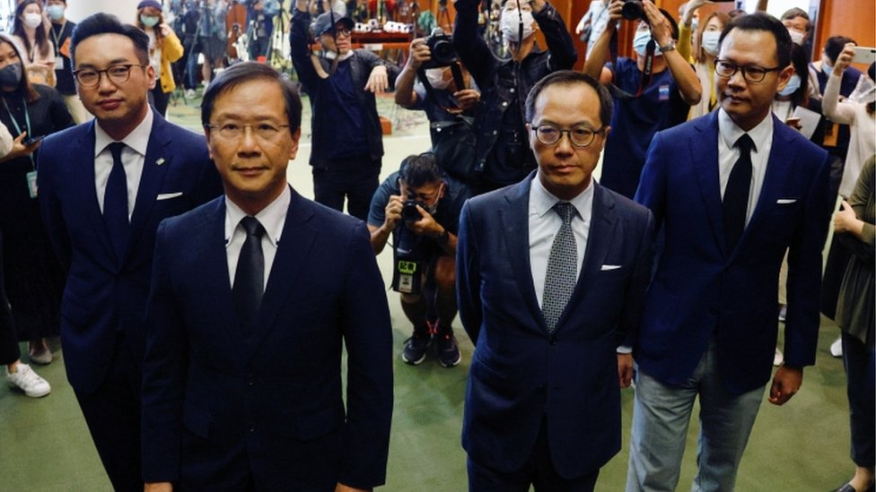 Hong Kong: China says opposition walkout is open challenge thumbnail