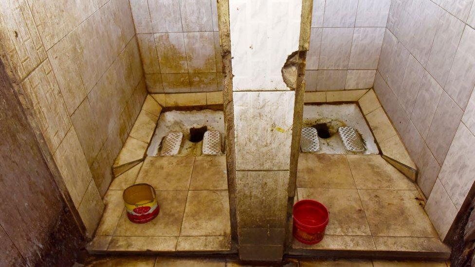 Baños públicos en África