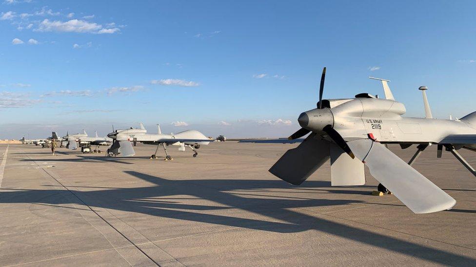 vehículos aéreos no tripulados (UAV)