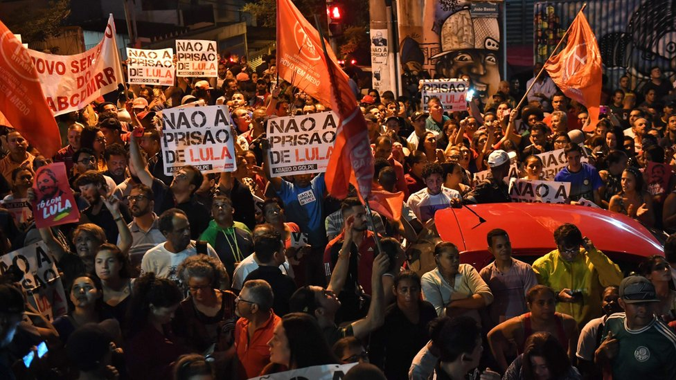 Pro-Lula demo near Sao Paulo