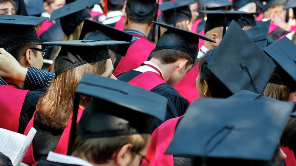 10 things about Harvard graduates: Liberals, virgins and iPhones