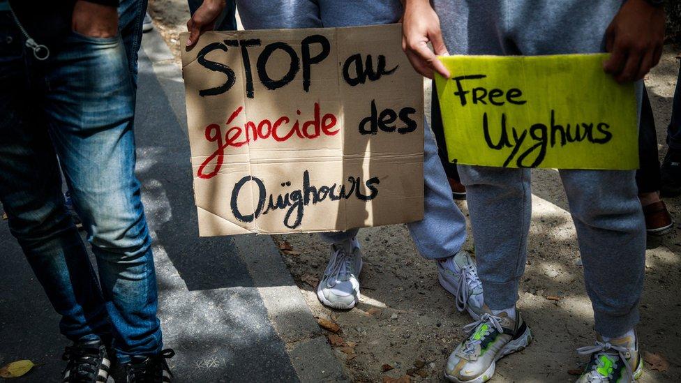 Una protesta en Paris por el trato de China con los uigures