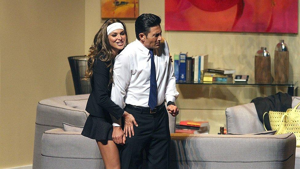 Fernando Colunga en una obra de teatro