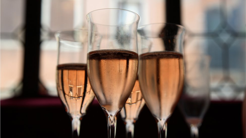 Glasses of pink prosecco