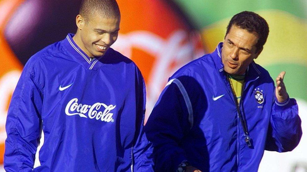 Ronaldo junto a Luxemburgo