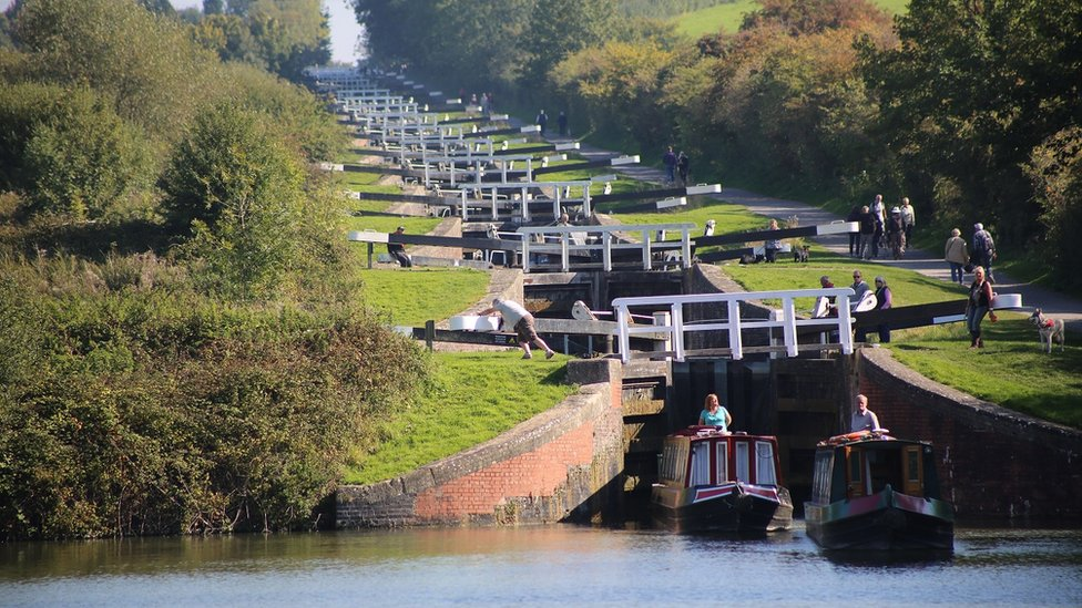 Kennet and Avon Canal repair programme begins