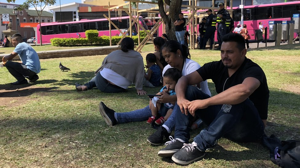 Nicaraguan families gather in Parque de la Merced