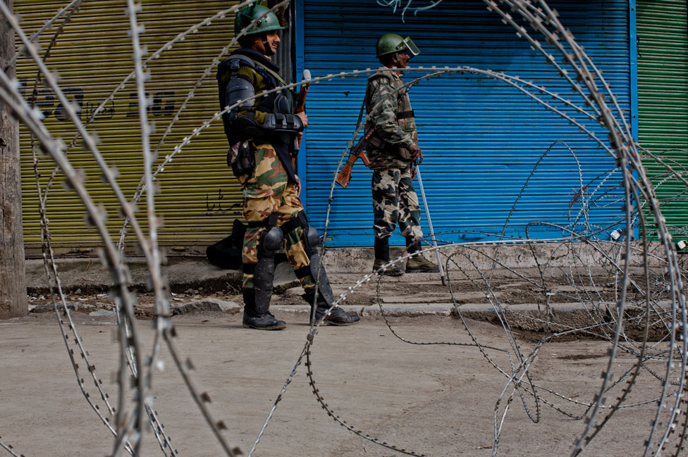 Soldiers in Kashmir