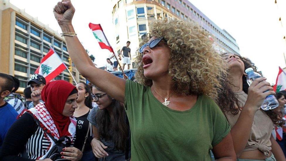 المرأة اللبنانية تقدمت صفوف الاحتجاجات