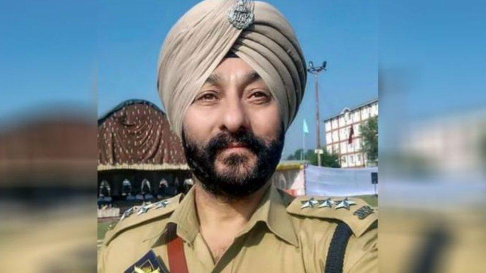 देविंदर सिंह ने गिरफ़्तारी से पहले डीआईजी से कहा- 'सर ये गेम है. आप गेम ख़राब मत करो'