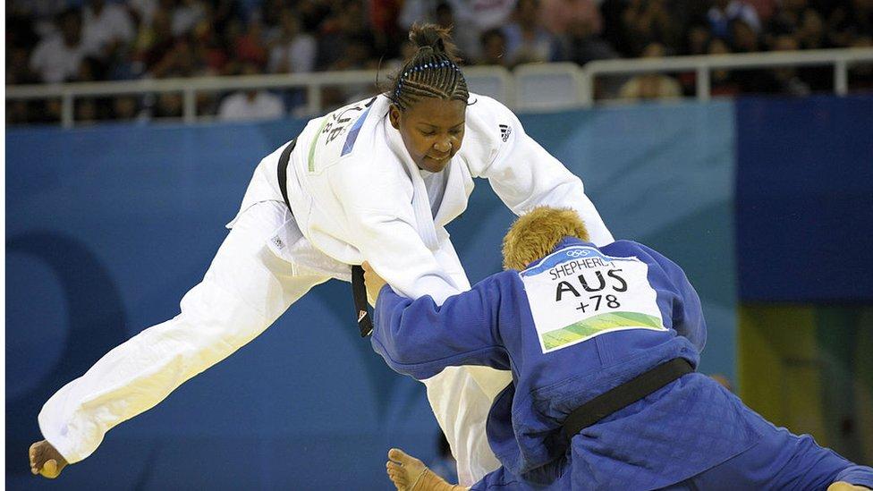 Idalys Ortiz en combate contra Janelle Shepherd de Australia en Pekín 2008