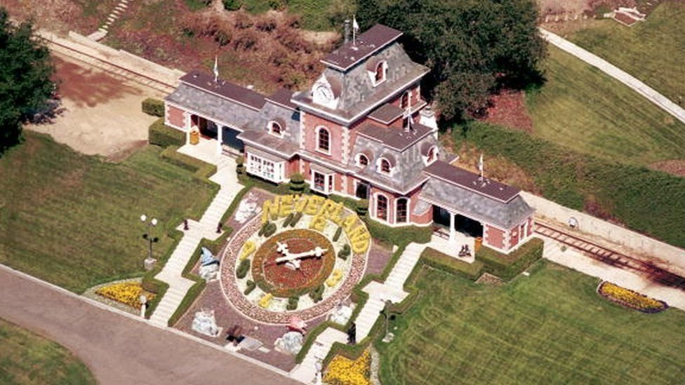 Jackson, Neverland'i 1987 yılında satın aldı.