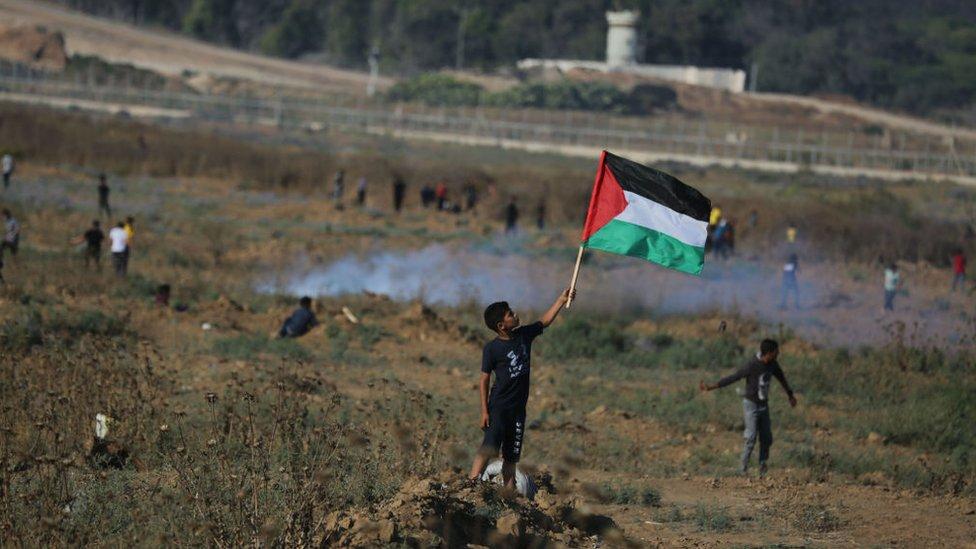 Es frecuente ver menores de edad participando en las protestas de los palestinos en contra de Israel.
