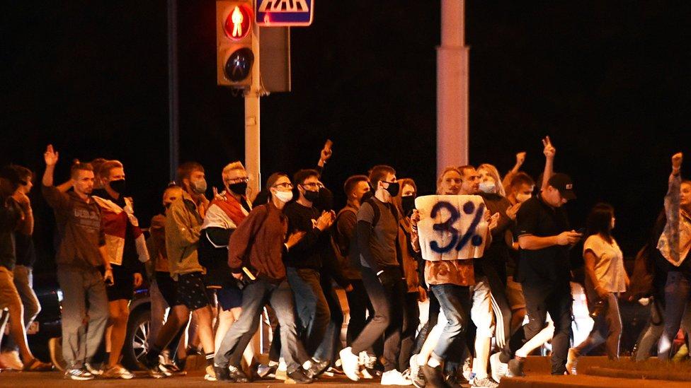 Протесты в Беларуси: в Минске центром столкновений протестующих с силовиками стала Каменная Горка