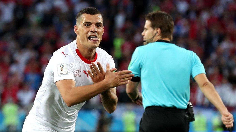Granit Džaka posle gola na meču sa Srbijom