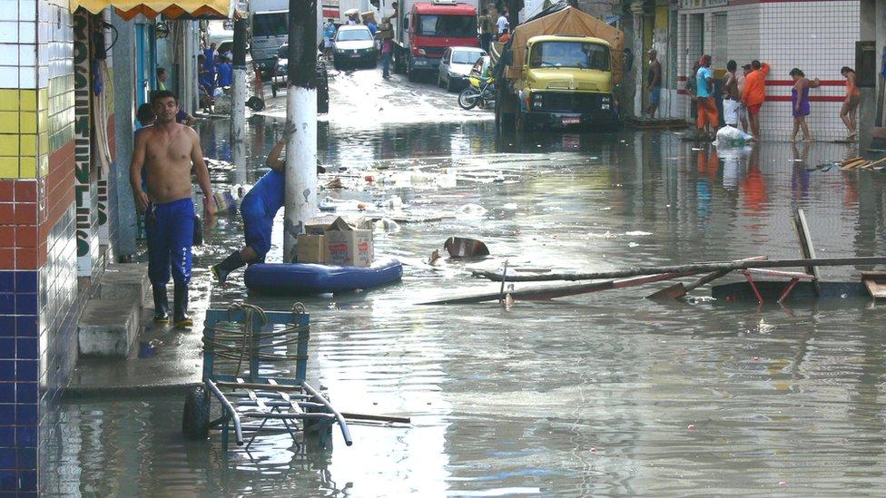 Calles inundadas en Manaos