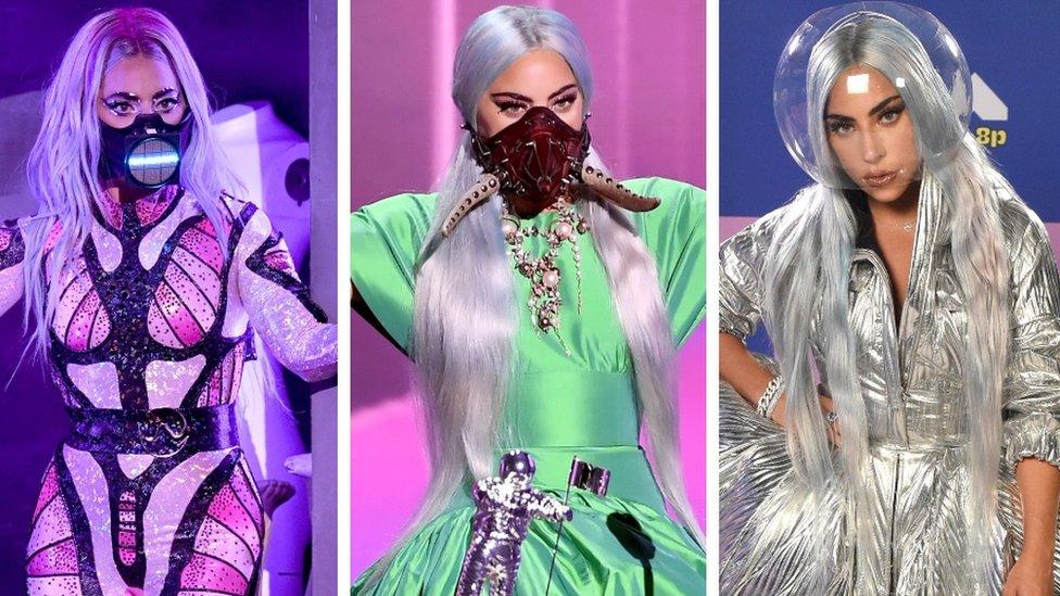 Lejdi Gaga i maske