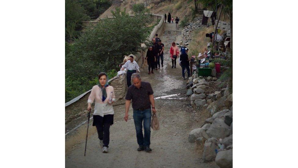 التجوال والمشي رياضة شائعة في إيران