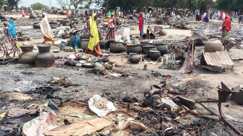 Žene na pijaci posle eksplozije