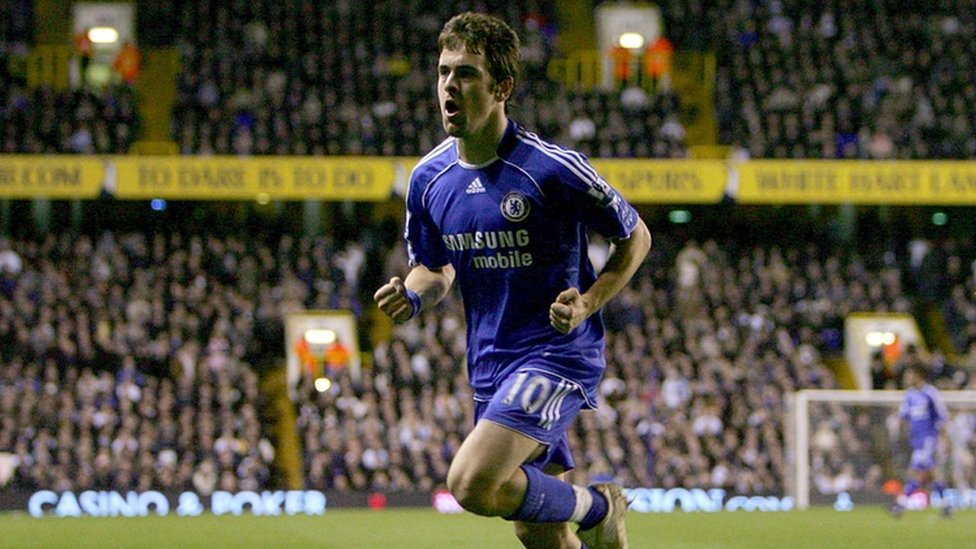 Joe Cole playing for Chelsea in 2008
