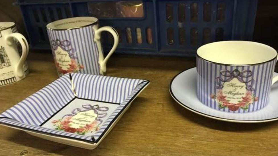 plates and mugs with harry and meghan