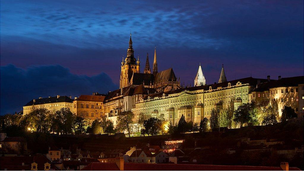 El Castillo de Praga de noche