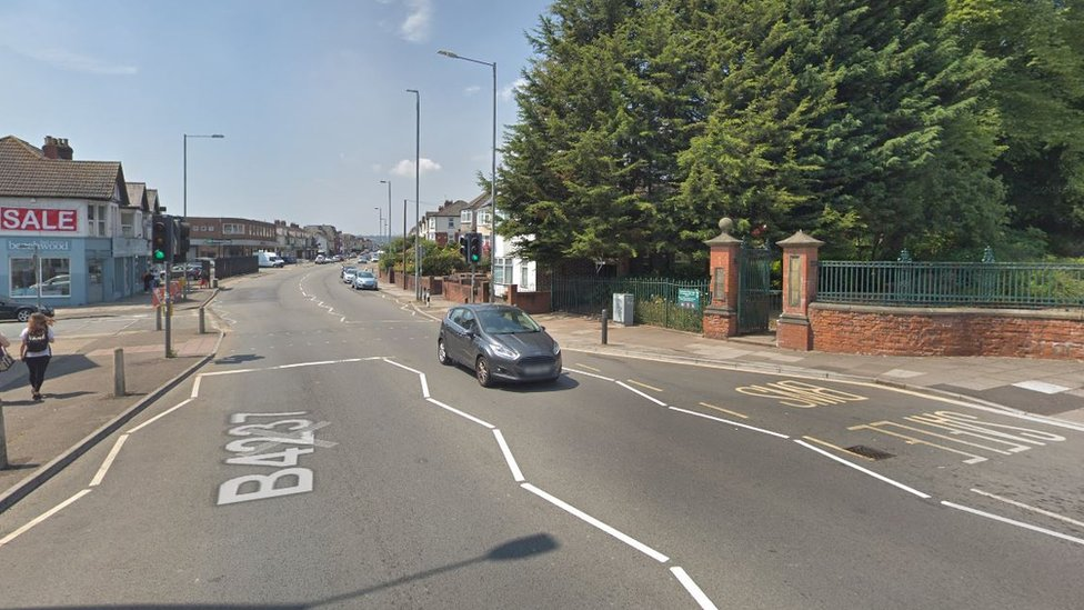 Man dies after being hit by vehicle in Newport