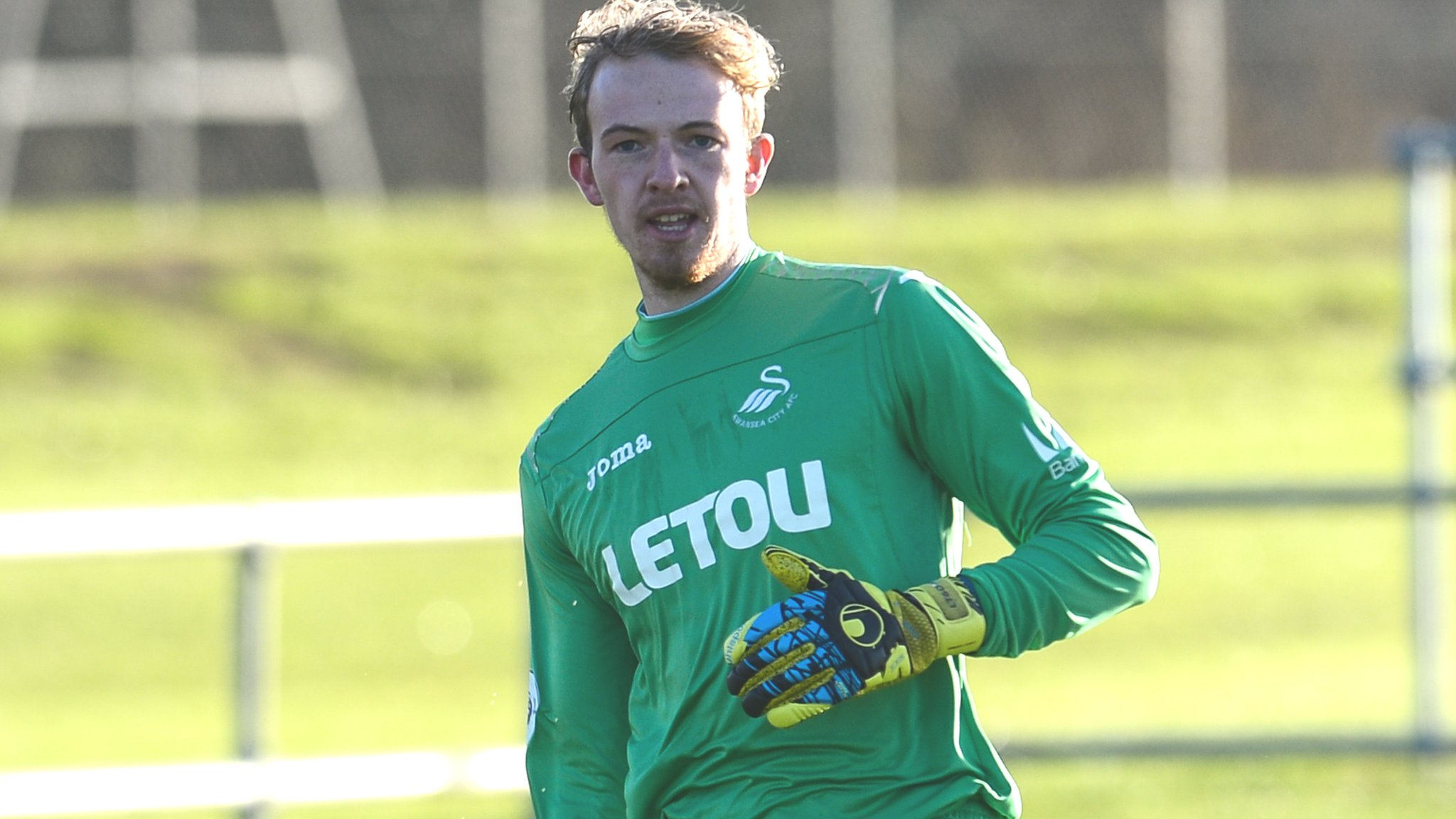 Lewis Thomas: Forest Green Rovers sign Swansea City goalkeeper