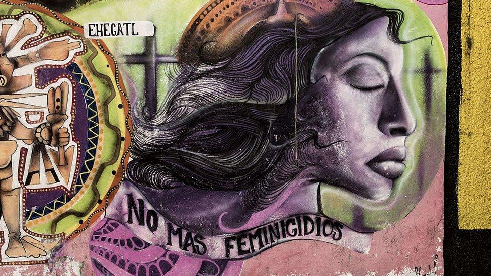 Mural contra el feminicidio en México