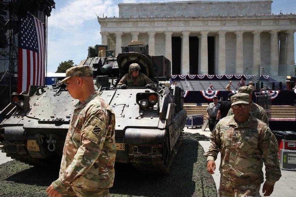 Tanks outside the Lincoln Memorial