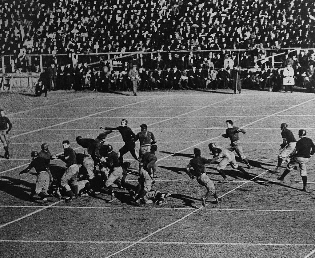 Partido de fútbol americano entre Harvard y Yale