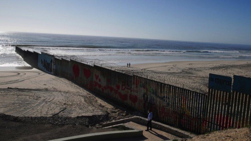 Muro en Tijuana