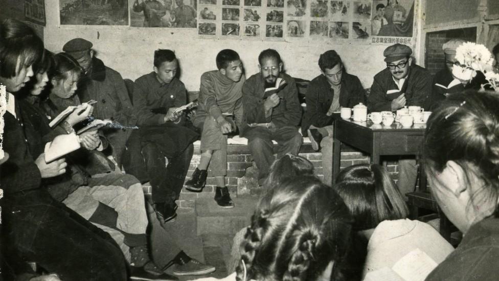 Sergio Cabrera en una comuna popular en Pekín en 1966.