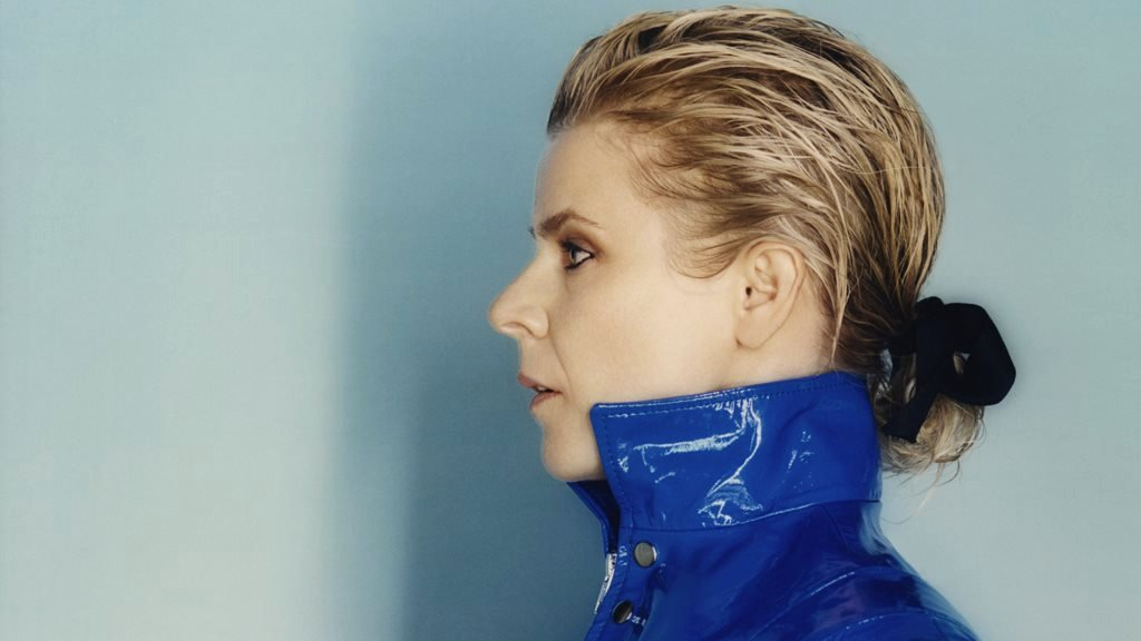 Robyn: 'I didn't want to be a role model'