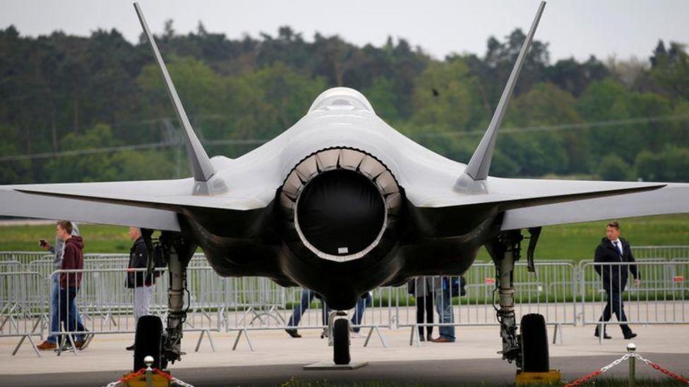 """طائرة من طراز """"إف-35"""""""