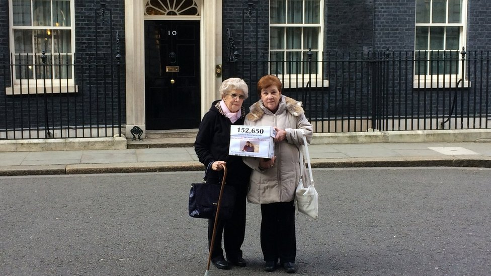Myrtle Cothill and daughter outside No 10