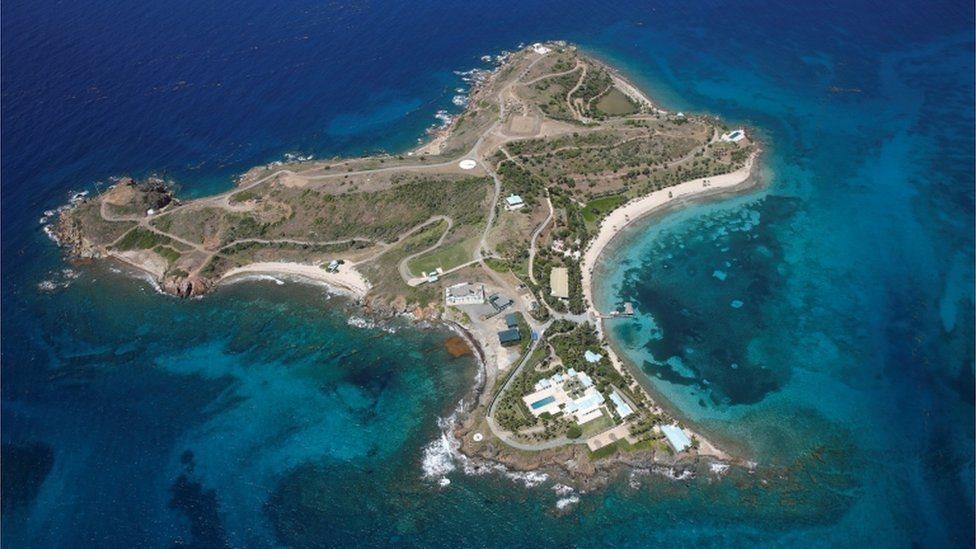 جزيرة ليتل سان جيمس في أرخبيل جزر العذراء الأمريكية